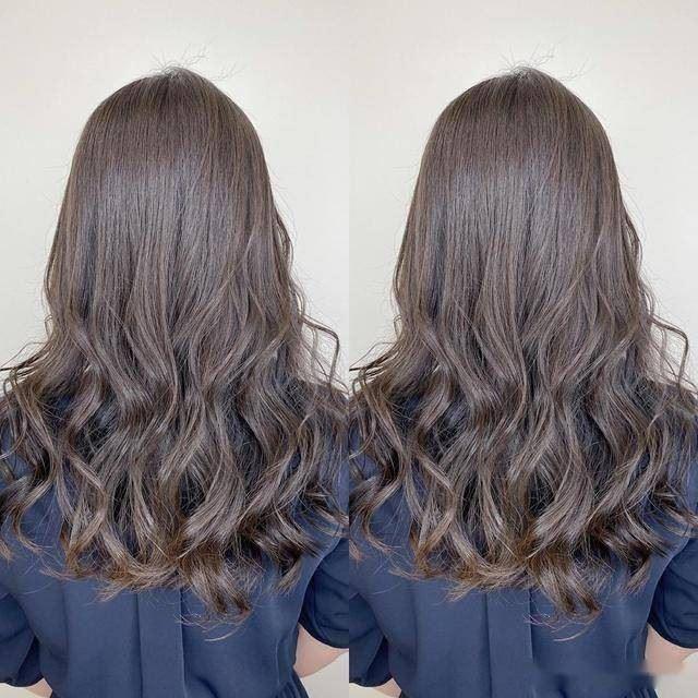 """卷发烫一半,背面超好看的""""半头卷""""中长发女生卷发发型,发色参考图片"""