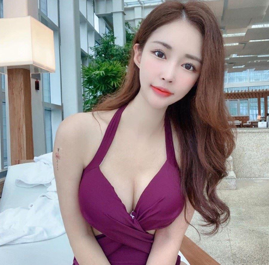 性感韩系小姐姐的长卷发发型,让人一看就喜欢的女神范水波纹发型图片