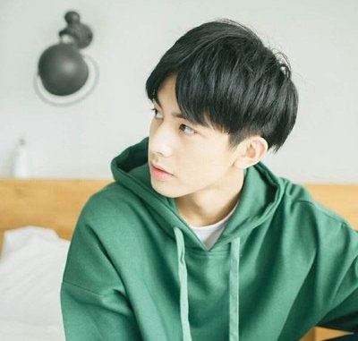 想变帅就在一发之间! 最帅气的男生刘海发型图片